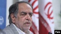 اکبر ترکان میپرسد مجلسی که مدام از دولت روحانی سئوال میپرسید، چطور بر کار دولت احمدی نژاد در خرید اوراق قرضه نظارتی نداشته است
