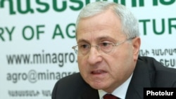 Armenia -- Minister of Agriculture Sergo Karapetian at a press conference, 10Feb2012.