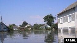 Паводок у селі Гірське, що у Миколаївському районі на Львівщині, 30 червня 2008 р.