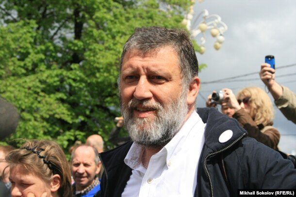 Russian journalist and literary activist Sergei Parkhomenko (file photo)