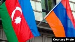 Государственные флаги Азербайджана и Армении (иллюстративное фото)