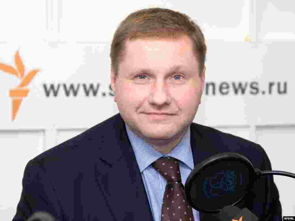 Russia – Konstantin Eggert, journalist BBC, 04Jun2008, Moscow studio, час прессы - Russia – Konstantin Eggert, journalist BBC, 04Jun2008, Moscow studio, час прессы