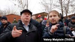 Губернатор Ростовской области Василий Голубев (слева)