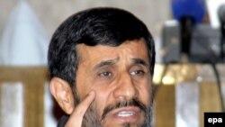 محمود احمدی نژاد اخیرا از سودان نیز دیدن کرده است.