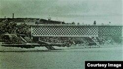 Podul de la Bender (Foto: Ion Țurcanu, Mihai Papuc, Basarabia în actul Marii Uniri de la 1918)