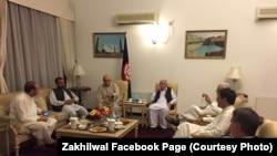 زاخيلوال پاکستان کې د پښتنو سياستوالو سره هم ملاقات کړی