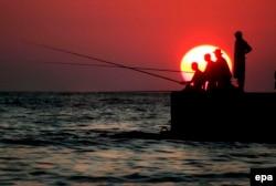 Сочинський берег, одне з небагатьох загальнодоступних місць