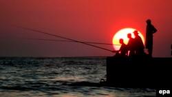 Сочинский берег, одно из еще немногих общедоступных мест