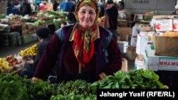 Astara bazarında hətta göyərti İrandandır