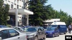 Архивска фотографија-Увид пред Министерството за здравство каде што беше нападнат Никола Тодоров.