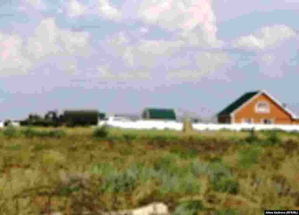 Арнайы операцияға қатысқан әскери техникалар. Ақтөбе, 29 шілде 2011 жыл.
