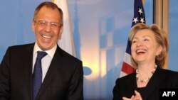 "Russian Foreign Minister Sergey Lavrov and U.S. Secretary of State Hillary Clinton both got a good laugh out of the ""overload"" button that Clinton offered up."
