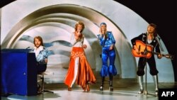 Знаменитая шведская поп-группа АВВА на конкурсе песни Eurovision. 1974