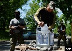 Голосование в Славянске проходило не только на избирательных участках