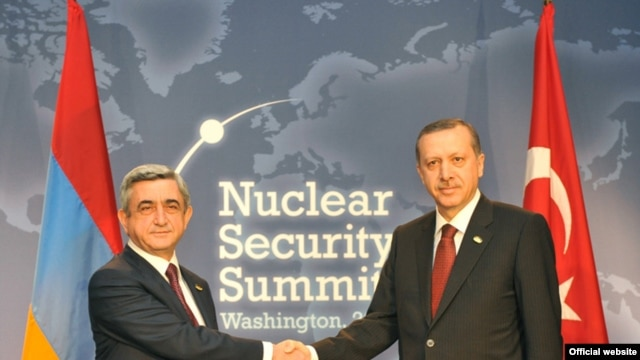 U.S. President Barack Obama brought Armenian President Serzh Sarkisian (left) and Turkish Prime Minister Recep Tayyip Erdogan together in Washington, at least for a photograph.