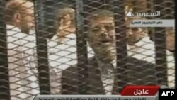 Мухаммад Мурси сотко келген учуру, 4-январь, 2013