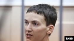 Украинская военнослужащая и депутат Верховной Рады Украины Надежда Савченко в Басманном суде Москвы. 10 февраля 2015 года.