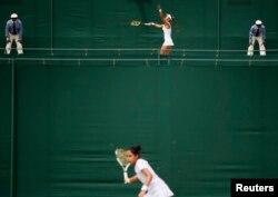 Зарина Дияс 2015 жылғы Уимблдон турнирінде.