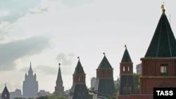 Самый крупный инвестиционный проект «Москва-Сити» отбрасывает грозную тень на главную достопримечательность столицы