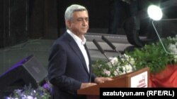 Действующий президент, кандидат в президенты Армении Серж Саргсян