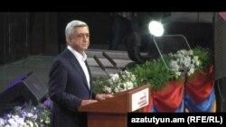 Действующий глава государства, кандидат в президенты Армении Серж Саргсян