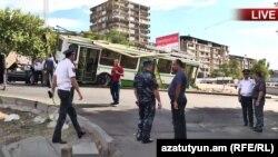 Попавший в ДТП троллейбус, Ереван, 28 сентября 2017 г․