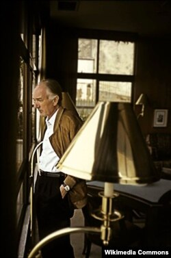 Thomas Bernhard öz iş otağında