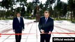 İlham Əliyev eks-prezidentin adını daşıyan yeni mədəniyyət və istirahət parkı ilə tanış olub.