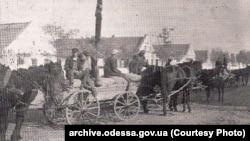 Примусовий збір зерна в селі Кандель, Одеська область,1932–1933 роки