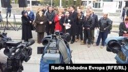 Протестен марш на лекарите специјалисти од Клинички центри од Македонија пред Владата на 8 декември 2012 година.