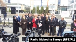Протестен марш на лекарите специјалисти од Клинички центри од Македонија пред Владата на Република Македонија.