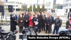Протестен марш на лекарите специјалисти од Клинички центри од Македонија пред Владата на Република Македонија