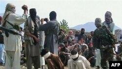 په باجوړ کې وسله والو طالبان دوو کسانو ته د مرګ سزا ورکوي. ۲۰۰۸م کال