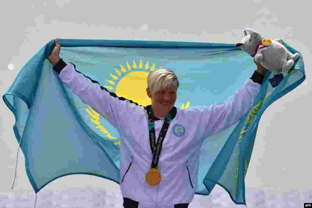 Байдарка қайықпен 200 метрге жарысуда Инна Клинова Азия ойындарының чемпионы атанды. 1 қыркүйек 2018 жыл.
