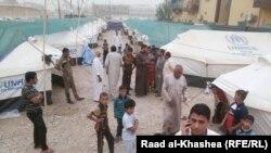 صورة من الأرشيف لنازحين من الفلوجة في مخيم أقامته الأمم المتحدة