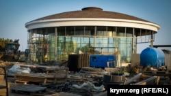 Строительство смотровой площадки у Свято-Георгиевского монастыря на мысе Фиолент. Август 2018 года