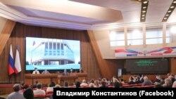Сесійна зала російського парламенту Криму