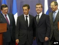 Президенты Франции и России Николя Саркози и Дмитрий Медведев, 8 сентября 2008 года