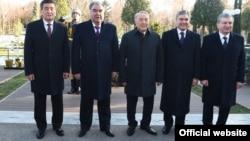 Участники саммита лидеров стран ЦА в Ташкенте. 29 ноября 2019