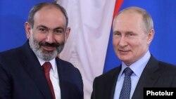 Встреча премьер-министра Армении Никола Пашиняна (архив) и президента России Владимира Путина, Санкт-Петербург, 6 июня 2019 г.