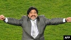 Главный тренер сборной Аргентины по футболу Диего Марадона