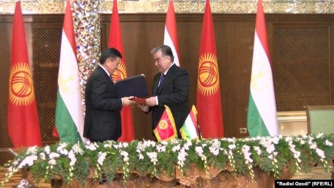 По итогам переговоров глав Таджикистана и Кыргызстана были подписаны 8 межгосударственных соглашений. Душанбе, 1 февраля 2018 года