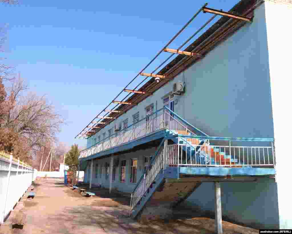 Школа в Фарапском районе