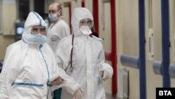 """В столичната болница """"Пирогов"""" от началото на епидемията са били заразени близо 50 медицински работници"""
