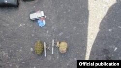 Шектүүнүн жанынан табылган РГД-5 жана Ф-1 үлгүсүндөгү эки граната