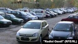 Намое аз мошинбозори шаҳри Душанбе