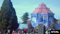 Боғи ботаникии Душанбе дар рӯзи Наврӯз
