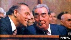 Azərbaycan KP MK-nın birinci katibi Heydər Əliyev və Sov.İKP MK-nın Baş Katibi Leonid Brejnev. 1982