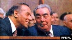 Heydər Əliyev və Leonid Brezhnev (1982)