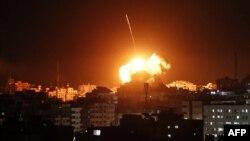 سخنگوی ارتش اسرائیل میگوید که ساختمانهای ستاد اطلاعات نظامی، دایره ضدجاسوسی، امنیت داخلی و وزارت کشور حماس بمباران شده است.